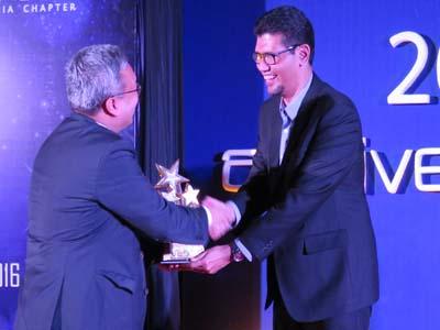 Integrasi Jaringan XL-Axis Raih Penghargaan PMI