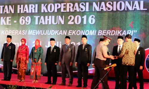 Founder Bukalapak raih Satyalancana Wira Karya
