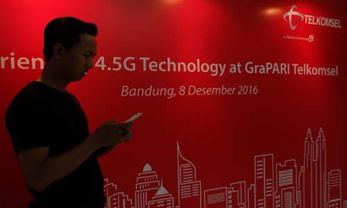 Telkomsel sosialisasi The NextDev 2017 di Jakarta dan Bandung
