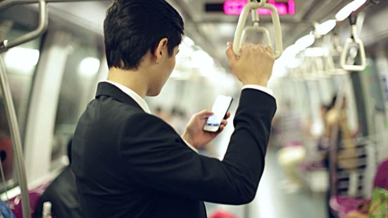 84% konsumen di Indonesia rela nonton iklan demi akses streaming gratis