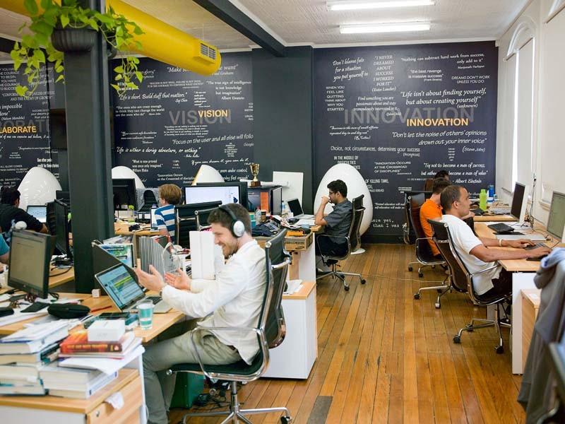 RUU Omnibus Law Cipta Lapangan Kerja bikin milenial susah dapat pekerjaan?