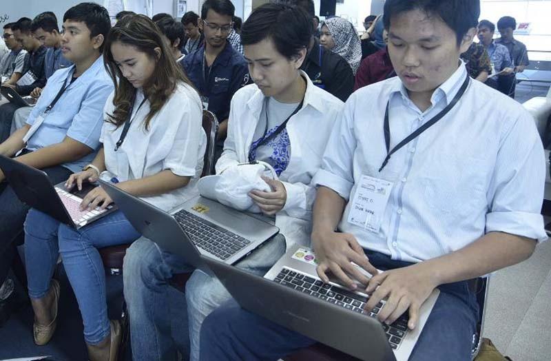 Cara melawan ketergantungan teknologi di ruang kerja