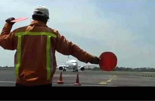 OTA dan angin topan harga tiket pesawat