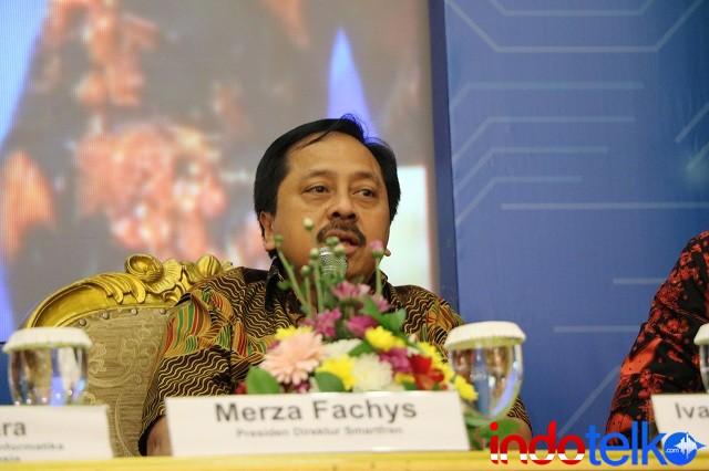 Presiden Direktur Smartfren Merza Fachys sedang memberikan paparan kepada peserta diskusi Indonesia LTE Conference 2018.