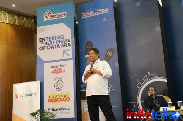 Menteri Komunikasi dan Informatika Bapak Rudiantara saat memberikan materi kepada peserta diskusi Indonesia LTE Conference 2018.
