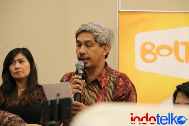 Salah satu peserta diskusi Indonesia LTE Conference 2018, saat memberikan pertanyaan kepada Chief RA tentang materi yang sudah disampaikan
