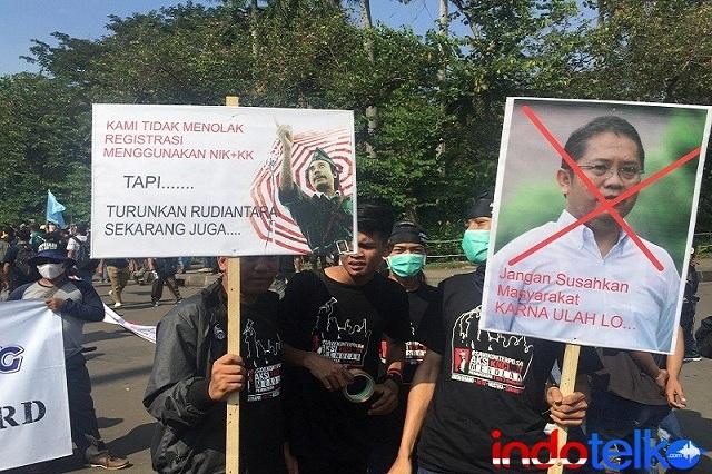 Aksi KNCI Menuntut Pencopotan Rudiantara