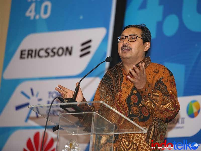 Dirjen Sumber Daya Perangkat Pos dan Informatika Bapak Dr. Ir. ismail M.T.