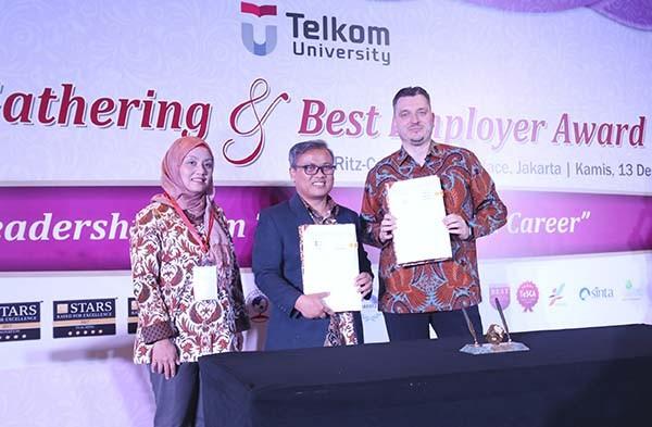 Telkom University gaet Telkomtelstra untuk tingkatkan kualitas mahasiswa