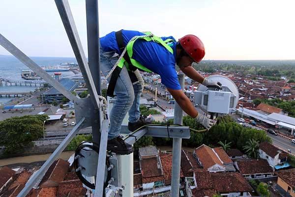Defisit neraca pembayaran sektor telekomunikasi harus diwaspadai