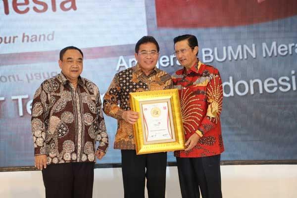 Bos Telkom raih Anugerah Indonesia Maju 2018-2019