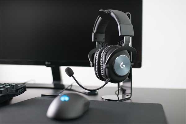 Logitech tawarkan headset gaming
