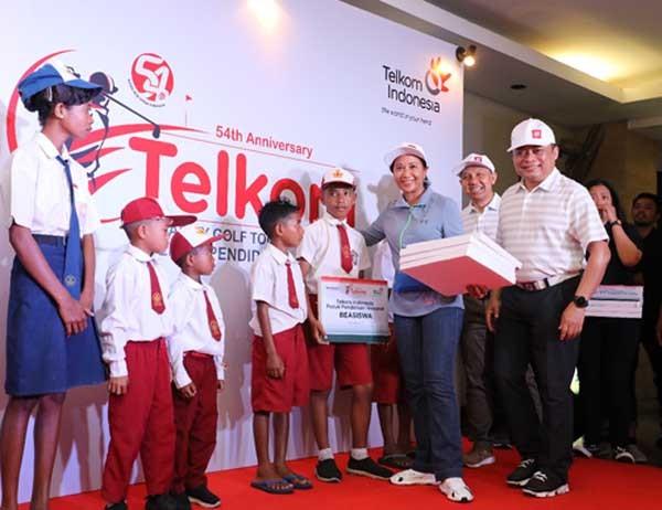 Menteri Rini dorong Telkom hadirkan