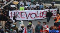 UU Ciptaker bikin popularitas Jokowi meredup di medsos?