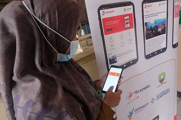 """Telkomsel lawan stunting di Sumedang dengan E-Health """"SIMPATI"""""""