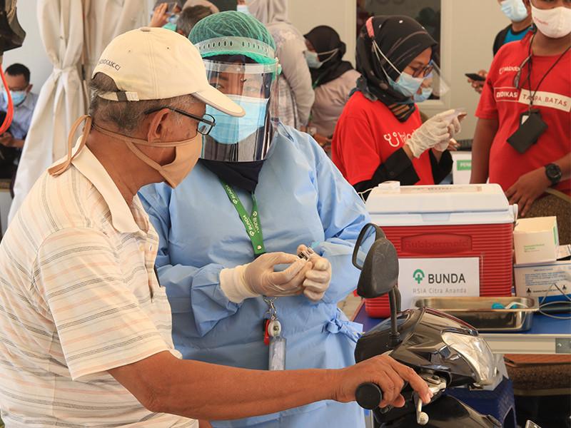 Lansia di Tangsel bisa vaksin di RSIA Bunda Citra Ananda lewat Drive Thru