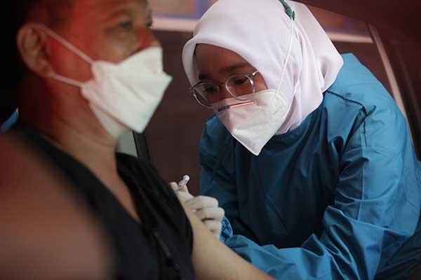 Halodoc dan Gojek buka layanan vaksinasi massal drive thru; di Yogyakarta