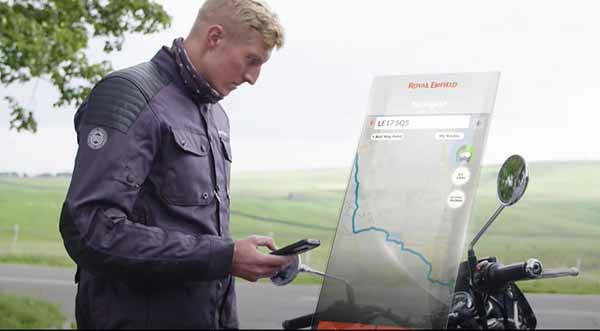 Royal Enfield kembangkan sistem navigasi untuk sepeda motor