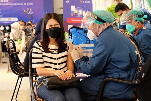 Total 75% karyawan XL sudah disuntik vaksin