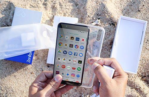 Asus Zenfone Max Pro M1: Kamera ganda, baterai tahan lama