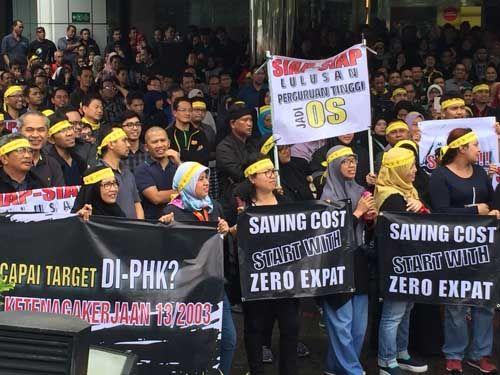Sinyal kuning dari Indosat