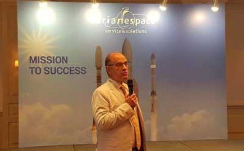 Panasnya bisnis peluncuran satelit