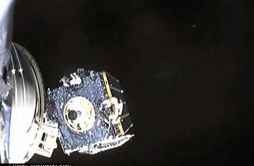Roket SpaceX sukses bawa satelit Nusantara Satu ke orbit