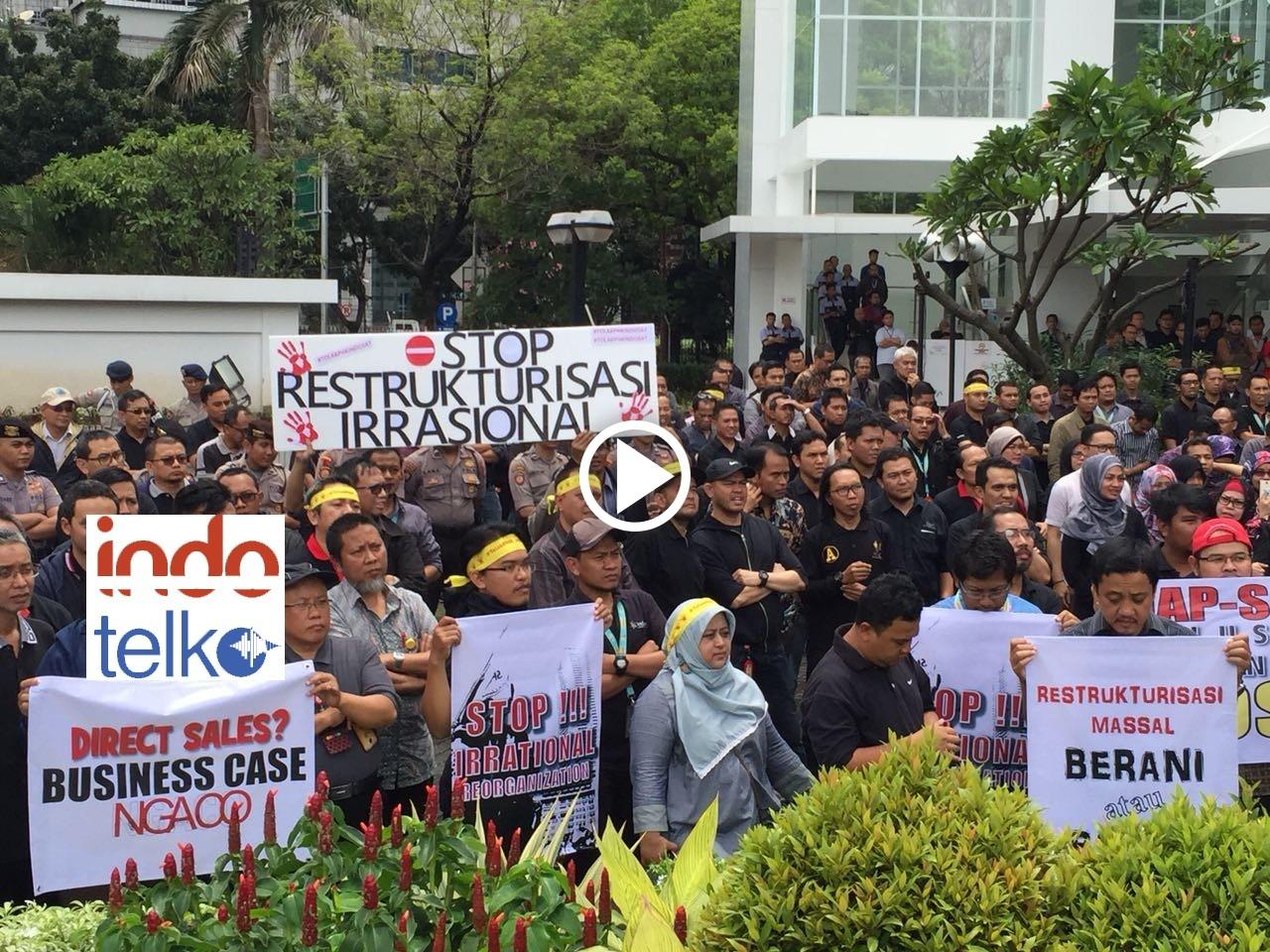 Suasana aksi karyawan Indosat tolak restrukturisasi irasional